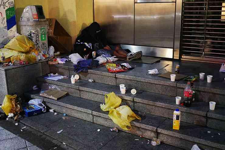 【炎上】ハロウィン参加者がゴミ放置で住民激怒 / 渋谷がゴミの山でブチギレ「ひどい仕打ちだ」 | バズプラスニュース Buzz+