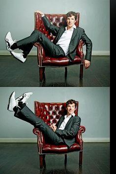 膝を曲げてる人の画像