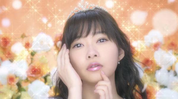 HKT48・指原莉乃がお姫様姿でうっとり表情を披露 ふっくらもち肌をアピールした新CM公開【動画】 - AOLニュース