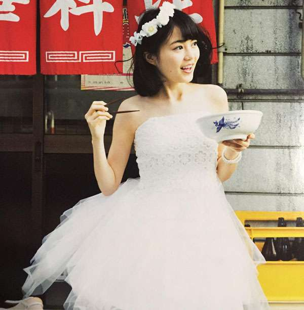 HKT48・指原莉乃がお姫様姿でうっとり表情を披露 ふっくらもち肌をアピールした新CM公開【動画】