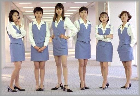 江角マキコ「2番組同時降板」レギュラー消滅で囁かれる「落書き騒動のツケ」