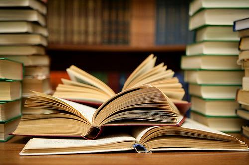 本は購入しますか?借りますか?...