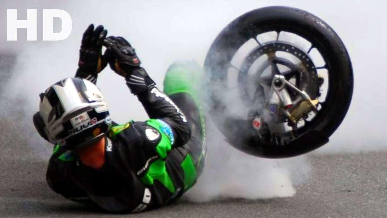 HD Full throttle - Death @ TT Isle of Man (IOMTT) Road Racing - YouTube