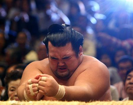 琴奨菊日本人力士10年ぶりの優勝!日本中が沸いた