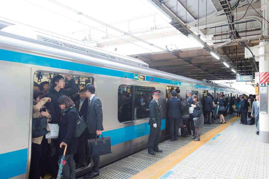 満員電車のストレスは「本物の戦場以上」。サラリーマンたちの通勤事情 | 日刊SPA!