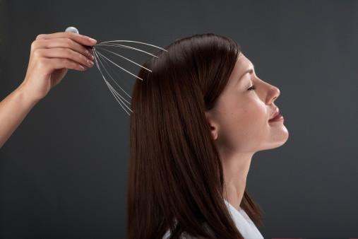 ヘアケアはできてる? 自宅で簡単にできる頭皮マッサージのやり方 - Spotlight (スポットライト)