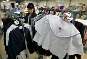 制服買えず入学式欠席、2日目、3日目も…貧しい家庭の子にとっては関門