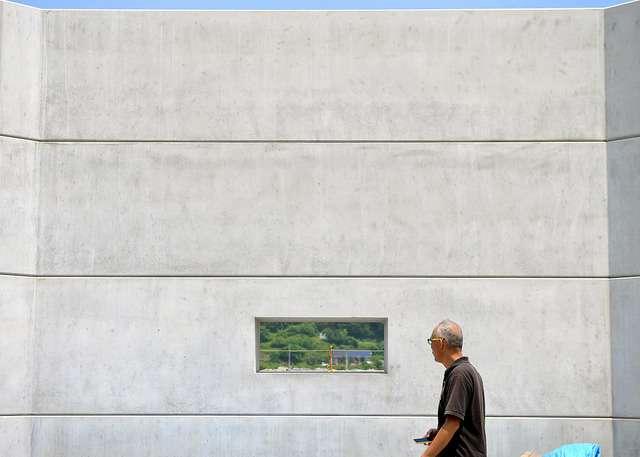 海の前、巨大な壁 防潮堤の建設進む 東日本大震災5年目:朝日新聞デジタル