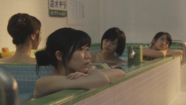 AKB48新曲は初のフォーク「翼はいらない」MV時代設定は1972年
