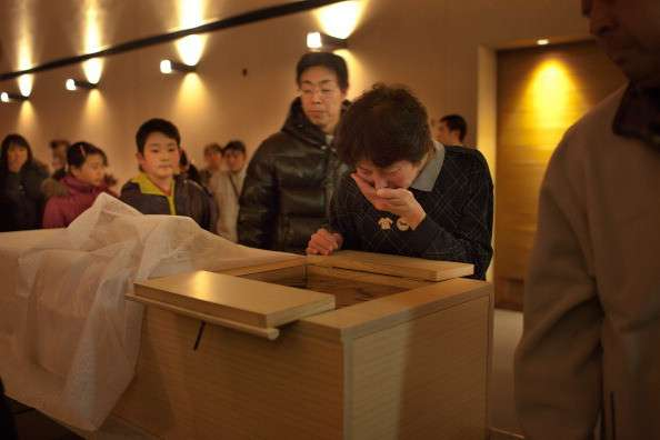 地震で亡くなった方の葬列を無断撮影…被災者が訴える報道陣の行動に怒りの声 - Spotlight (スポットライト)