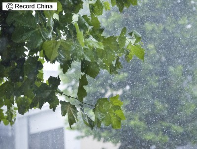 鬼怒川の堤防決壊・甚大な被害に中国ネットから驚きと見舞いの声続出「水面にごみが浮かんでいない!」「日本のために中国には何ができる?」