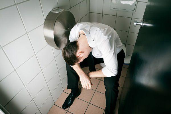 【男性に悲報】尿道に炎症?「座りション」のリスクとは! – しらべぇ | 気になるアレを大調査ニュース!