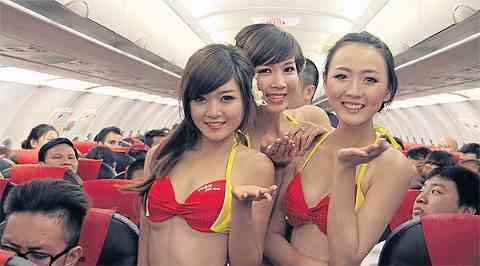 客室乗務員にビキニ姿で乗務させ大成功!ベトナム人女性初の億万長者に…批判には目もくれず