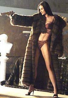 キャメロン・ディアス「美容整形手術」新刊本で告白