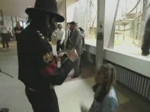 Michael Jackson comforts a fan - YouTube
