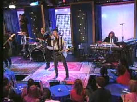 Maroon 5 Nothing Lasts Forever live - YouTube
