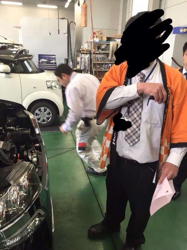 【炎上】ホンダの新車を買ったらワッフルが入っていた。店長は「動物が入れたんです」と認めない