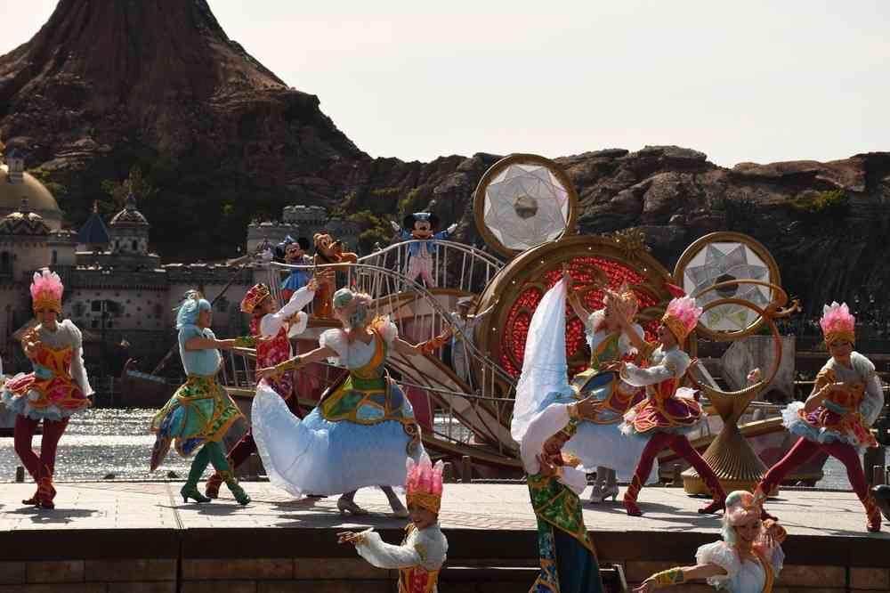 全文表示 | ディズニーシー15周年「オープニングセレモニー」が熊本地震で中止 「この判断は仕方ない」「配慮しすぎ」ファンら複雑 : J-CASTニュース