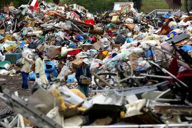 被災地のごみ山積み、処理滞る 「人も土地も足りない」:朝日新聞デジタル