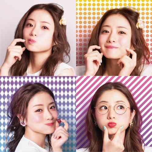 石原さとみの激カワもぐもぐ顔、自撮り女子のために開発された新ポーズ。 | Narinari.com
