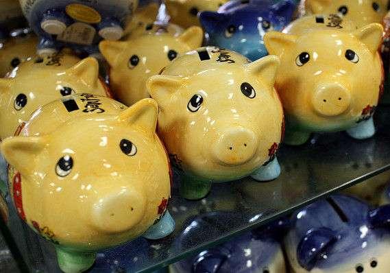 【驚愕!】マジかよ「アメリカ人は貯金をしない」らしい!|面白ニュース 秒刊SUNDAY