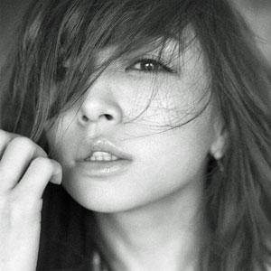 浜崎あゆみの新ジャケット写真 「唇が不自然」と物議に - ライブドアニュース
