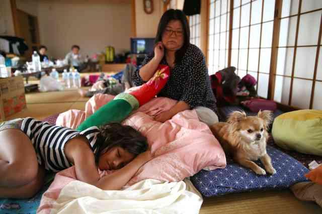 眠れる時に眠る、手足温かく 避難生活での眠りのコツは:朝日新聞デジタル