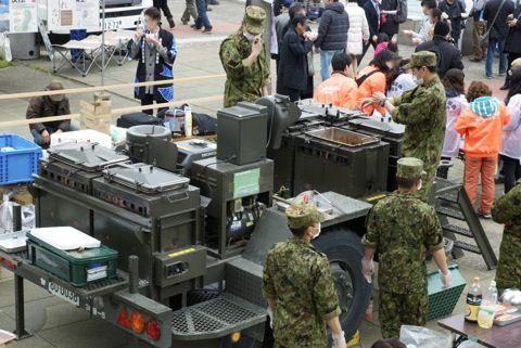 【熊本地震】日本が誇る自衛隊が最先端装備で大活躍中!ありがとう自衛隊!
