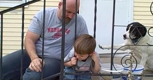 鉄柵に頭がハマって抜けない男の子のまさかのオチ(笑) | BUZZmag