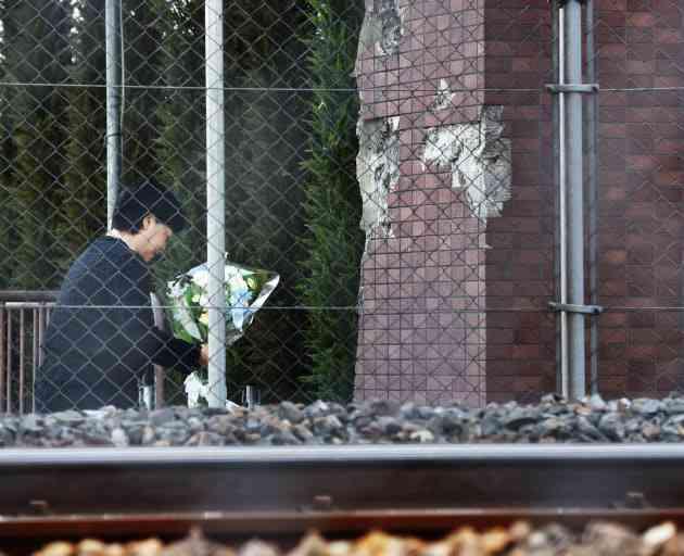 JR尼崎脱線事故から11年 遺族ら「風化させない」  :日本経済新聞