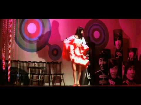 虹色の湖 /  中村晃子とザ・ジャガーズ フルサイズ - YouTube