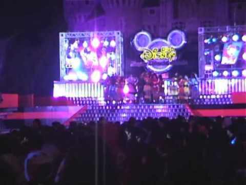 TDL Club Disneyスーパーダンシン・マニア 1stステージ - YouTube