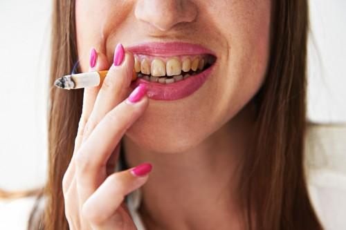 キツっ!3位口臭より圧倒的「タバコを吸って感じた不調」1位は… - 美レンジャー
