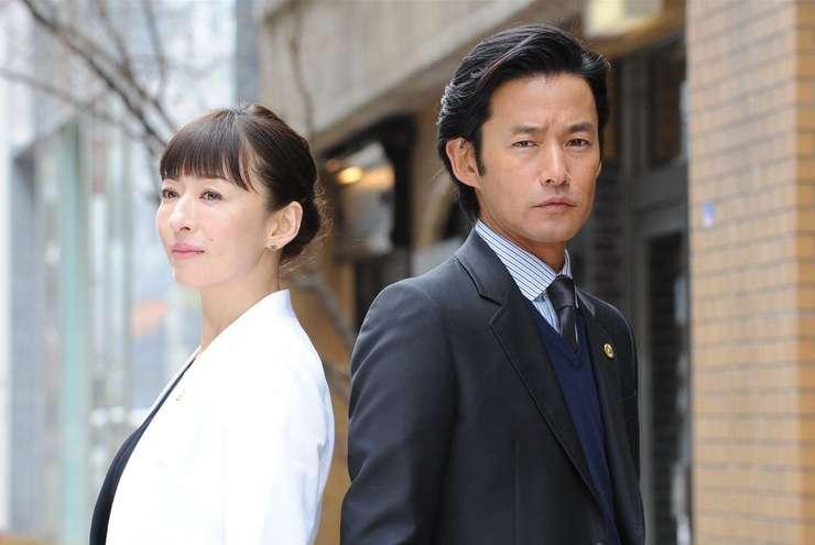 グッドパートナー 無敵の弁護士:竹野内主演の弁護士ドラマ 初回視聴率12.9%の好発進 - ネタりか