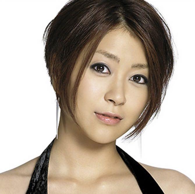 宇多田ヒカル再始動、新曲初披露&エンタメ誌の裏表紙に登場