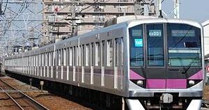 東京メトロ半蔵門線でドアにベビーカーを挟んだまま電車が走行!車内の非常ボタンが押さるも運行を続ける       -         Gigadamu速報(ギガダム速報)