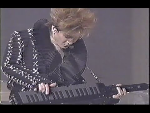 YOSHIKI &小室哲哉  『背徳の瞳』 ライブ V2 - YouTube