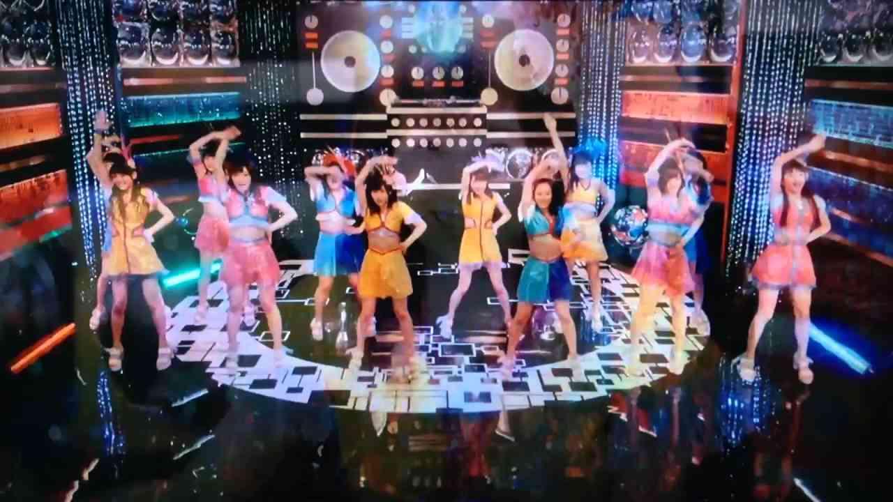 モーニング娘。'16「泡沫サタデーナイト!」スポットCM - YouTube