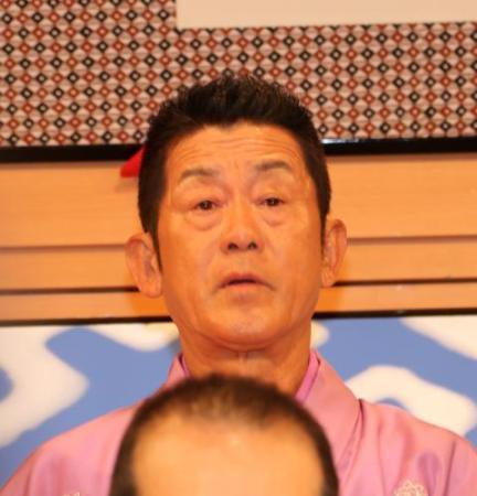 歌丸「笑点」大喜利司会引退 三遊亭円楽ら涙「呆然とした」(スポニチアネックス) - Yahoo!ニュース