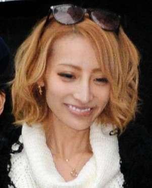 加藤紗里 頭髪の生え際の薄さに嘆く 原因は「あれだと思う」 (デイリースポーツ) - Yahoo!ニュース