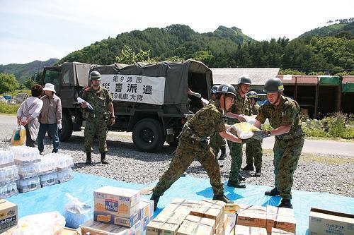 【東日本大震災】被災者が語る「いらなかった支援物資」…穴の空いた鍋、寄書、千羽鶴など