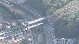 【画像あり】高速道路で工事中の橋桁 およそ120メートルが落下