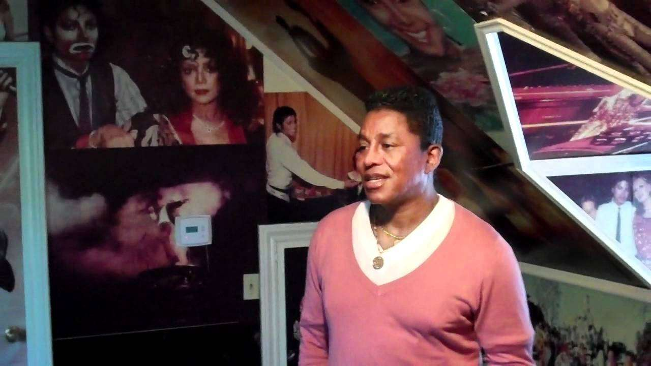 Inside Michael Jackson Memory Room! - YouTube