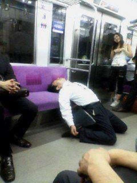 電車で見た変な人