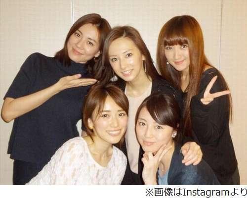 """北川景子結婚後初の""""戦士会""""、幸せオーラにメンバーもニヤニヤ。"""