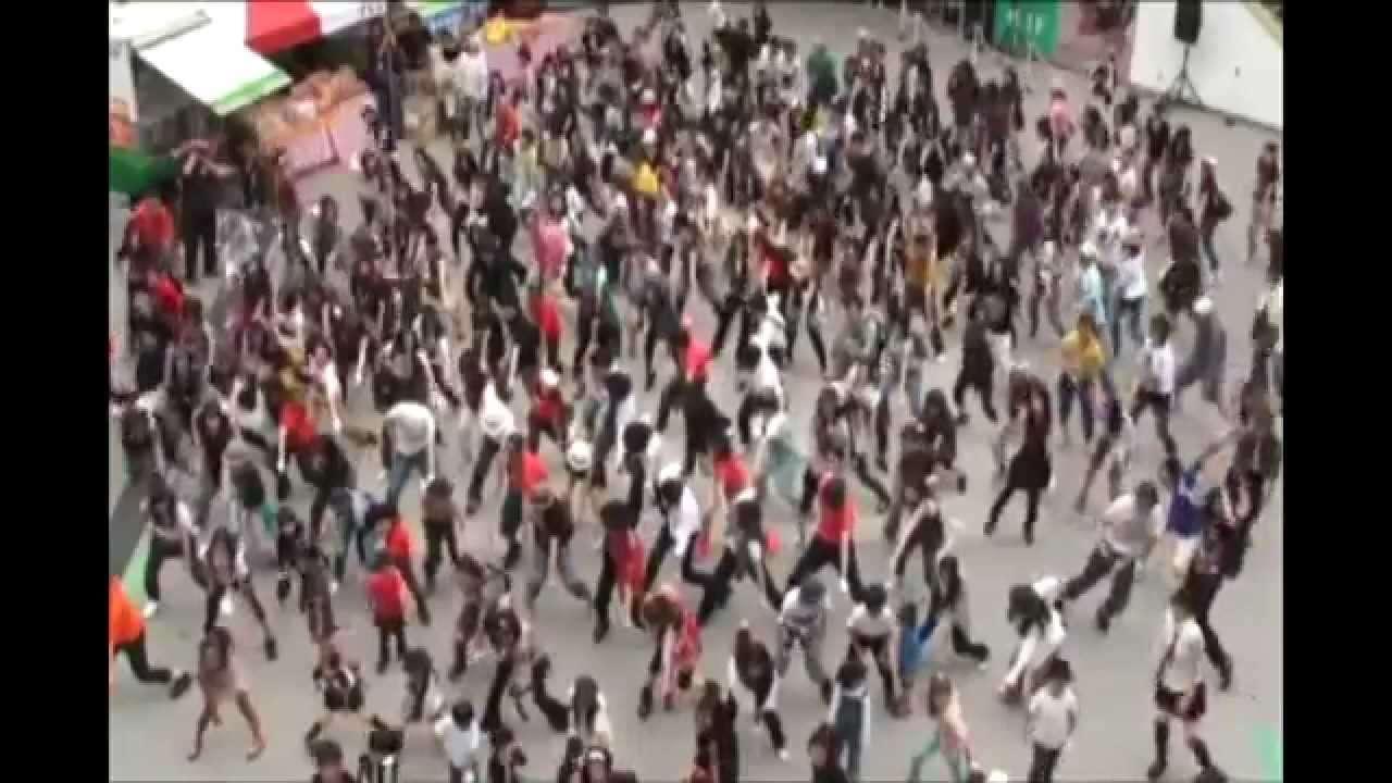 マイケル・ジャクソン 全国同時 Beat It ゲリラダンス フラッシュモブ - YouTube