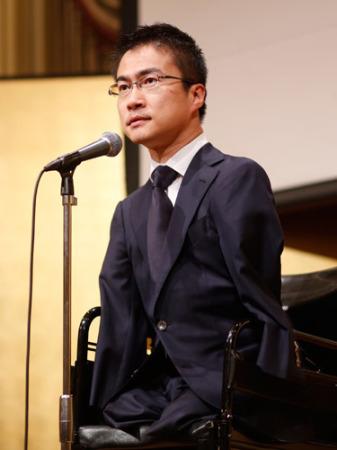 乙武洋匡氏の妻がスピーチでクギ「次はないわよ」 会場は大爆笑 (2016年4月6日掲載) - ライブドアニュース