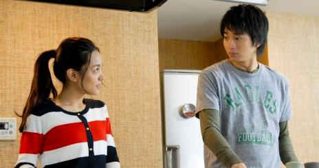向井理と国仲涼子 6か月の息子とお花見デビュー撮