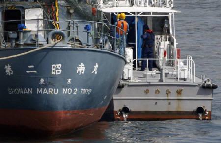反捕鯨団体「シー・シェパード」メンバー、海保が逮捕| ロイター