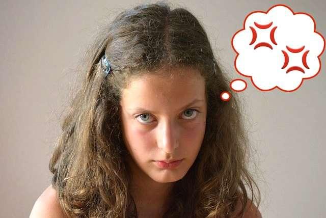 ヒステリーが女性に多い原因とは? | HOTNEWS(ホットニュース)